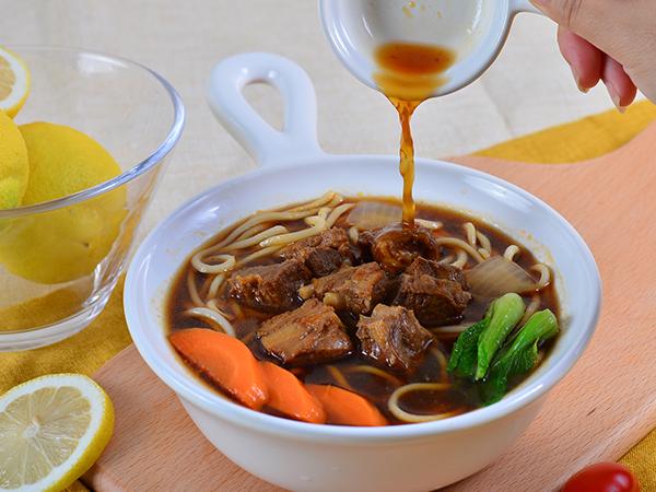 红烧排骨面汤